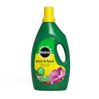 Miracle Gro Pour & Feed 1lit